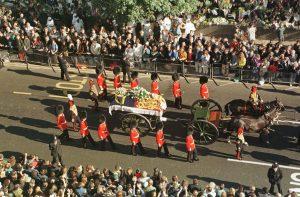 Dric funerar tras de cai